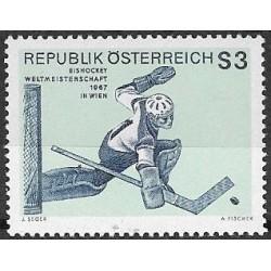 1235. hokejista- brankář,**,